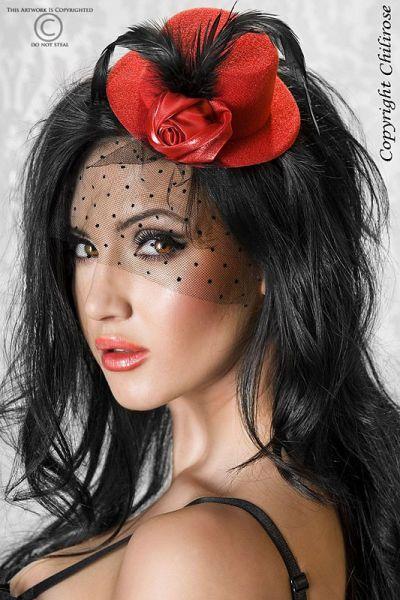 Roter Minihut mit schwarzen Federn