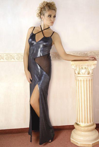 langes Abendkleid aus silber glänzendem Material