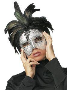 Maske silber mit Federn
