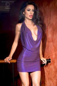 Neckholder Minikleid in Violettmetallic