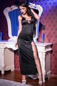 Langes Kleid mit Seitenschlitz und Schmuckkettendetails