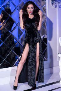 Langes Kleid mit Kapuze von Chilirose