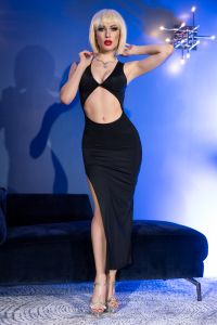 langes Kleid aus weichem und elastischem Material